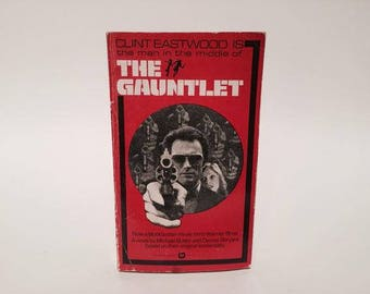 Vintage Pop Culture Book The Gauntlet Film Novelization 1977 1st Edition Paperback