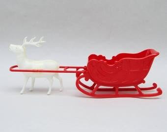 Vintage Reindeer & Sled Hard Plastic . Irwin Plastics . USA .   1950s/Christmas Collectible