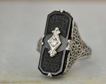 VINTAGE FIND, Art Deco filigree sterling silver with black onyx and stone ring size 5.75