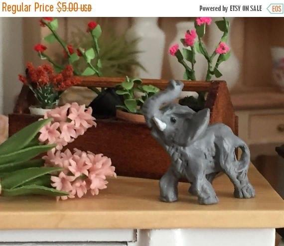 ON SALE Miniature Elephant, Dollhouse Miniature, 1:12 Scale, Elephant Figurine, Dollhouse Statue, Miniature Dollhouse Accessory, Decor, Knic