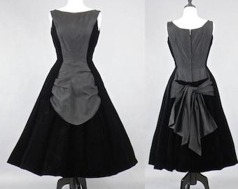 Vintage 50s Dress, 1950s Black Silk Velvet New Look Dress, Suzy Perette Party Dress, LBD