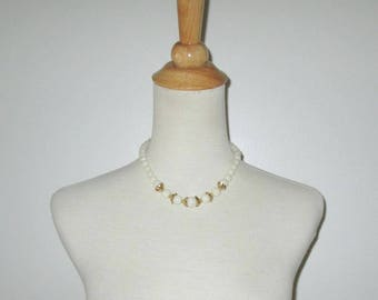 Vintage 1950s 1960s Necklace / 50s 60s Ivory Off-White Beaded Necklace With Gold Accents