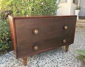 MILIEU du siècle moderne 2 tiroirs petite commode/chevet/Media Stand (Los Angeles)