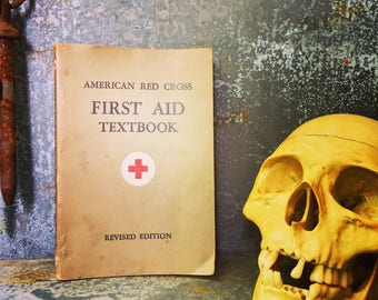 First Aid / Text Book / 1944