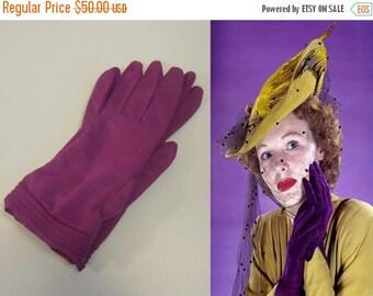 Anniversary Sale 35% Off Hand To Cheek - Vintage NOS 1950s Magenta Nylon Short Wrist Gloves - 6/6.5