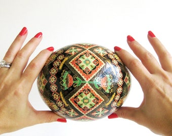 Ostrich egg Pysanka by Katya Trischuk in traditional Ukrainian pattern
