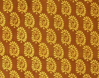 Indian Block Print Fabric - paisley print fabric - 0.75 Yard - ctsm097