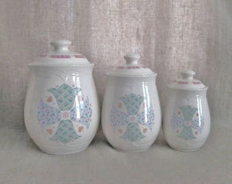 SALE Farmhouse Chic Vintage Gibson Tulips Canister Set / Ceramic Quilted Tulip Canister Set / 80s Vintage Canister Set