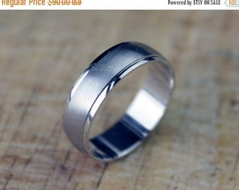 ON SALE Unisex White Gold Wedding Band Ring 5mm Satin Finish 9k 9ct 9kt 375 FREE Shipping Size K.5 / 5.5