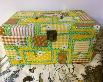 Mod Sewing Box Retro Quilted Vinyl Patchwork Polka dot Gingham Daisy