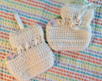 Vintage Baby booties, Cradle Knit, appliquéd baby chick, crown, goggly eyes, baby girl gift