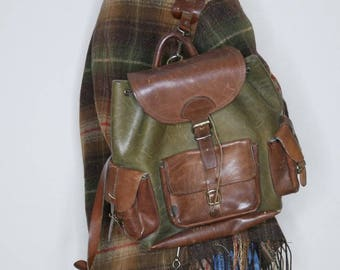 Amazing vtg 70s brown and green leather backpack