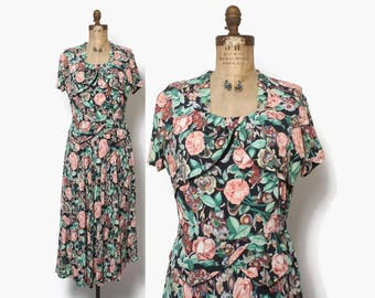 Vintage 40s Floral Rayon DRESS / 1940s ROSE Print Rayon Day Dress M