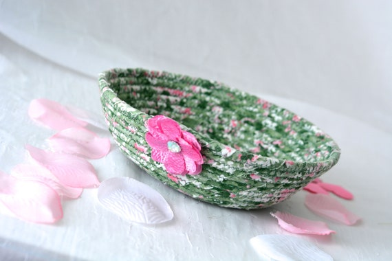 Easter Decoration, Handmade Candy Dish Bowl, Shabby Chic Ring Dish Basket, English Garden Floral Desk Accessory, Green Easter Basket