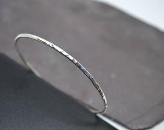 SILVER BANGLE 925, hammered, fine, 2mm