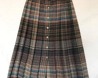 Vintage Pleated Plaid Skirt -- Size Small