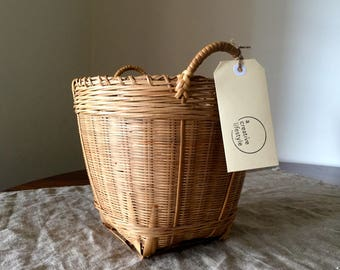 Fabulous High Quality Vintage medium size wicker storage basket. My Vintage Home