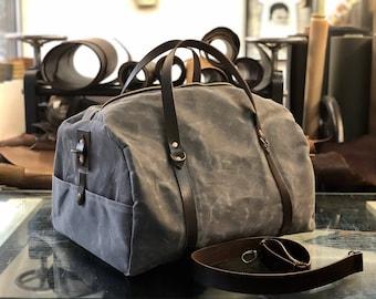 Waxed canvas weekend bag / weekender / duffle bag / gym bag
