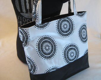 Black and white Tote, Black and White Bag, Shopper, Bag, Carry All, Travel Tote, Cruise Tote, Summer Tote, Spring Tote  AT11X11T-BW