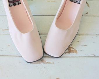 1980s FABRIC HEELS...size 6.5 women...pumps. party. mod. classic. mootsies tootsies. 1980s heels. pink heels. wedding. bride. pretty in pink