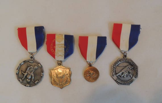 Lot Of 4 Vintage Athletic Ribbon Medals pins.. Wrestling