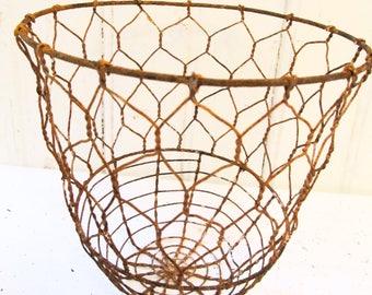 Rusty Metal Basket (1)