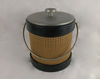 VTG Round Ice Bucket//Rattan Wicker Wrapped//Retro Barware//Alternative Lunch Box//Gift Box Holder//Fisherman's Bait/Worm Bucket//