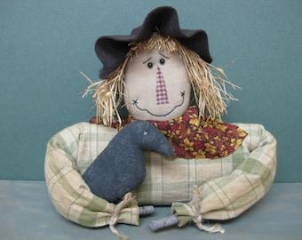 Primitive Scarecrow Bust holding Crow - Country Primitive Scarecrow Shelf Sitter - Fabric - Fall Cupboard Tuck - Centerpiece - Autumn Decor