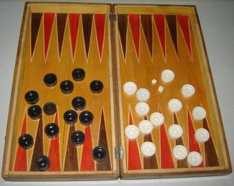 Old vINTAGE wOODEN Box BACKGAMMON  Set and CHESS bOARD GAME Beautiful Inlay