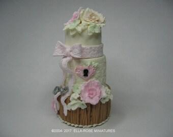 12th scale miniature Lock and Key Cake