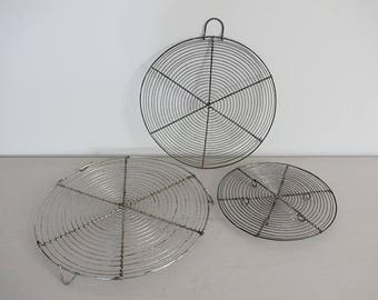 Antique French Wire Cooling Racks - Wirework Crinkle Cake Tray, Trivet,  Set of 3