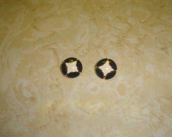 vintage clip on earrings goldtone black white enamel monet