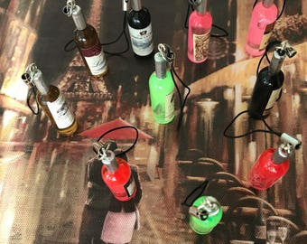 Mini resin Wine keychain Bottles designed wedding or party favors