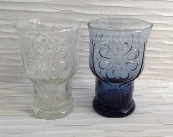 2 Libby Country Garden Juice size Drinking Glasses. Clear and Blue Glassware.  Mid century modern, Danish Modern, Eames era.  Vintage 1960.