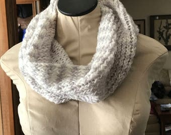Gray/White Cowl