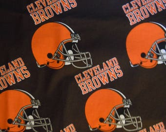 """Cleveland Browns Fabric 2 yds x 58"""" helmet design cotton Licensed by the NFL in 2006  off the bolt condition"""