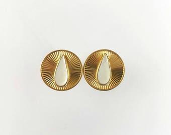 1960s Gold Tone Round Cufflinks with White Enamel Teardrop Center