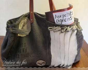 "Linen and white and grey felt bag and blue ""Free as the wind..."""