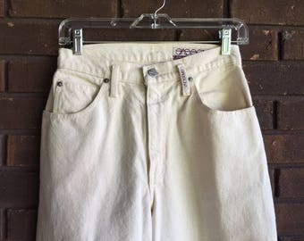 Vintage Sasson High Waist Waisted Jeans / Mom Jeans 80s Ankle Skinny Tapered Leg Petite / Cream Off White / Waist 27 / XS S Small