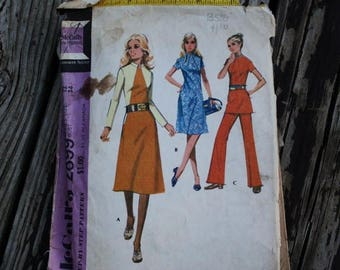 25%off Sizzlin Summer Sal McCall 2899 1970s 70s A line Tunic Dress Pants Vintage Sewing Pattern Size 12  Bust 34