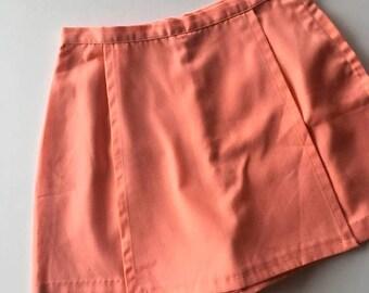 20% off weekend sale / vintage 1950s 1960s peach cotton skort / size medium