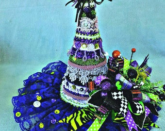 Decorated Witch Hat, Witch Hat Centerpiece, Halloween Witch Hat, Halloween Decoration, Halloween Centerpiece, Witch Hat decoration