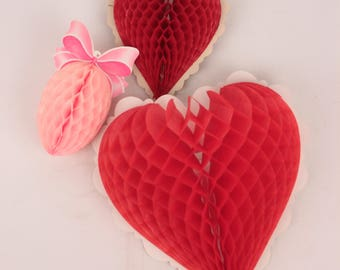 lot of 4 honeycomb decorations // hearts and egg
