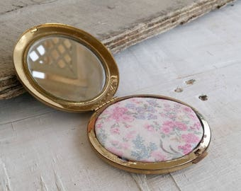 Vintage Golden Pocket Mirror, Gold Metal Purse Mirror Mid Century, Face Care Accessory, Mad Men Style Mirror Case, Cosmetic Bag Essential