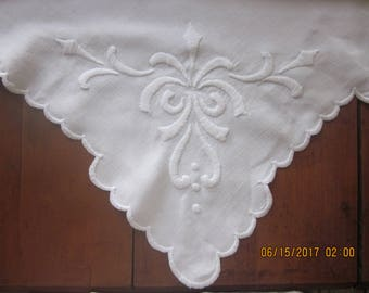 VintageLinen Large Size Table Square-Padded Stitch Embroidery,Fleur di Lis, Linen Table Square,Summer Linens, Summer entertaining
