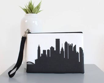 PITTSBURGH Skyline Wristlet Clutch. Skyline Wristlet. Skyline Clutch. Twill Clutch. Skyline Silhouette Purse. Gifts for Her. Gift Under 30.