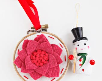 Felt Poinsettia Christmas Ornament / Mini Embroidery Hoop Art / Red and Pink Flower Felt Ornament / Xmas Stocking Stuffer / Gift Under 25
