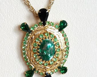 Vintage Necklace, Green Rhinestone and Art Glass Turtle Necklace, Figural Necklace, 24 Inch Chain Turtle Pendant Necklace
