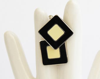 Vintage cloisonne cuffinks. Black cream cufflinks. Vintage cuff links.  Vintage mod pop art, op art cufflinks