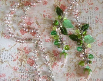 Floral Lariat, Floral Cluster, Lamp Worked Rose Lariat, Rose and Leaves, Pink Rosary Chain, Vintage Rosary Chain, Pink Rosary Lariat, Summer